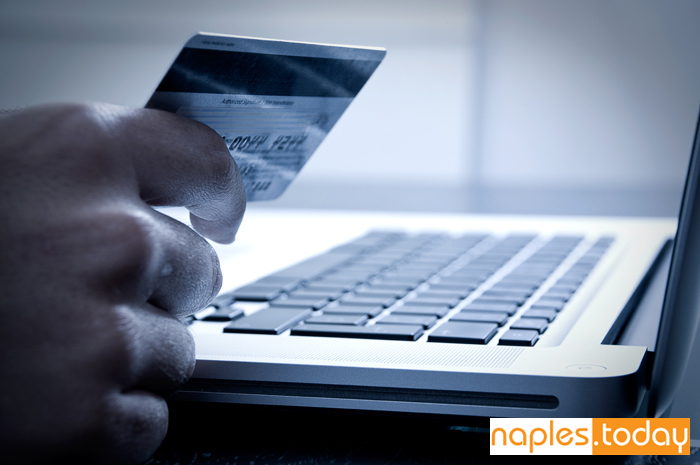 Banks and online banking in Naples