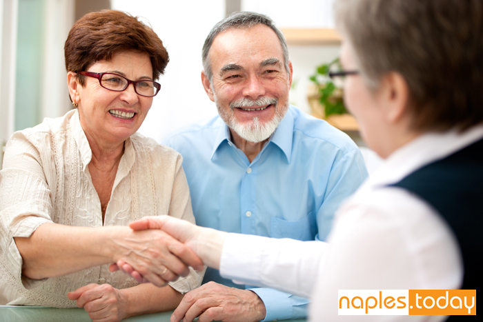 Healthcare professional with patients in Naples