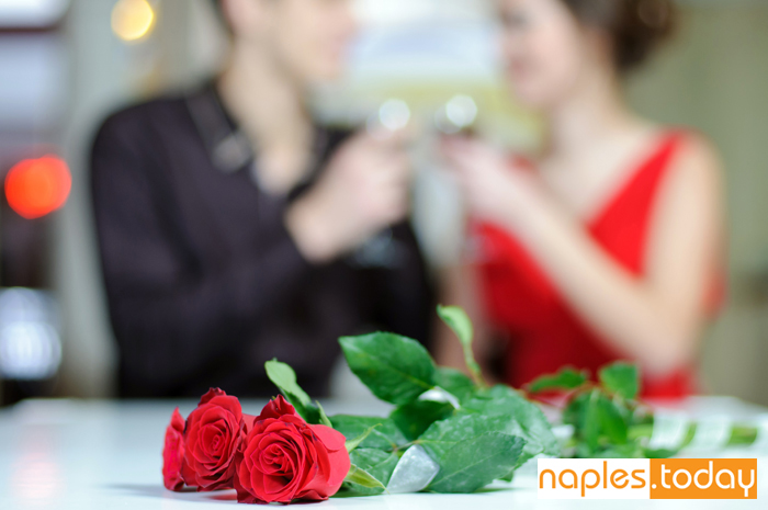 Romantic dinner for two in Naples