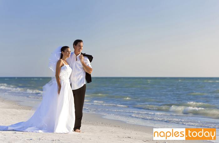 Tropical beach wedding in Naples