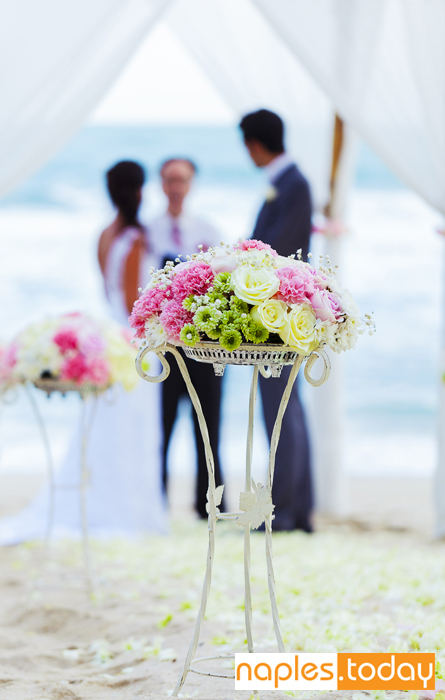 Wedding ceremony on Naples beach